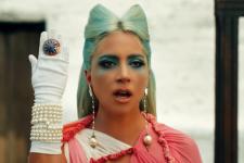 Храм, ритуали та клінічна смерть: Lady Gaga презентувала кліп на пісню 911