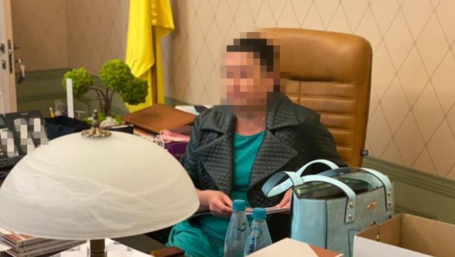 У Харкові на передачі хабара викрили голову суду