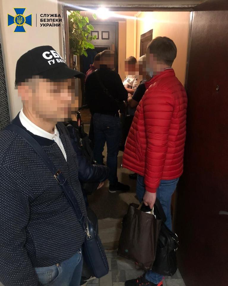 Керівника підприємства НАН України затримали за хабар у $200 тис.