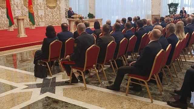 Лукашенко вступив на посаду президента на неоголошеній інавгурації