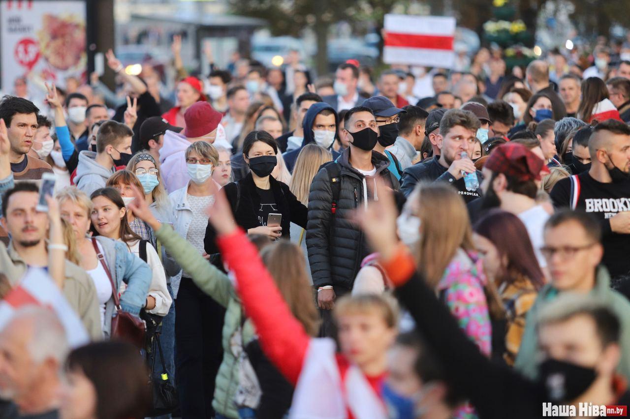Міліція почала розганяти протести у центрі Мінська