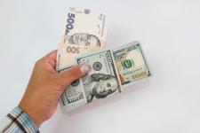 Доллар и евро продолжают дорожать: курс валют на 23 ноября
