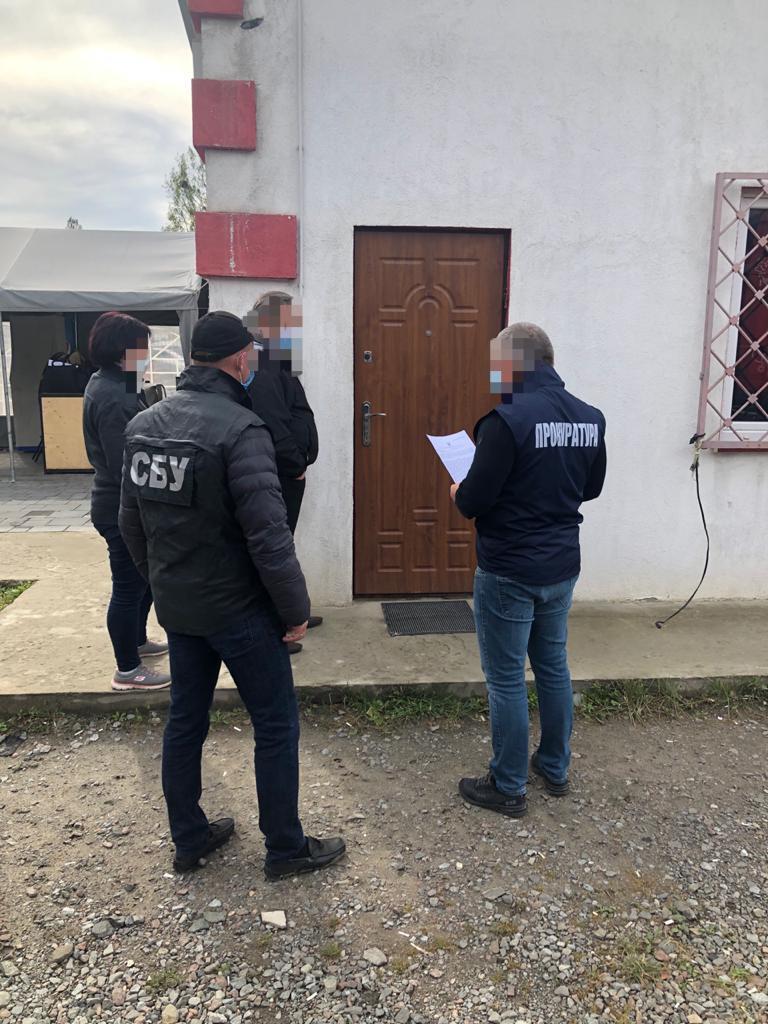 Незаконне ввезення вантажівок: на Львівській митниці викрили корупційну схему