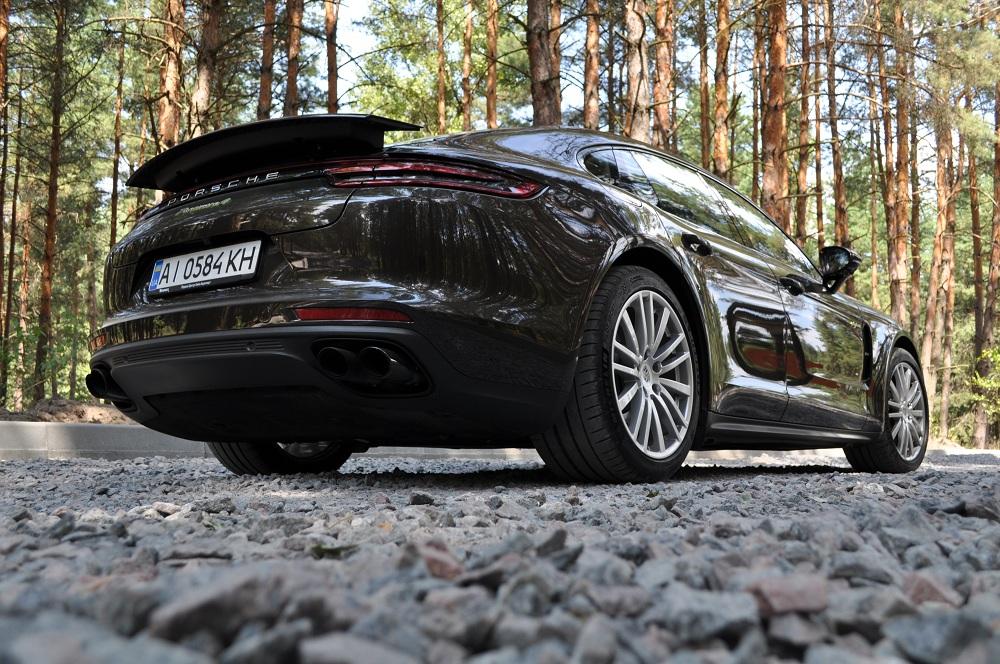 Тест-драйв Porsche Panamera E- Hybrid: гібриди в Україні
