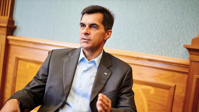 Кабінет міністрів звільнив главу Укрзалізниці Жмака