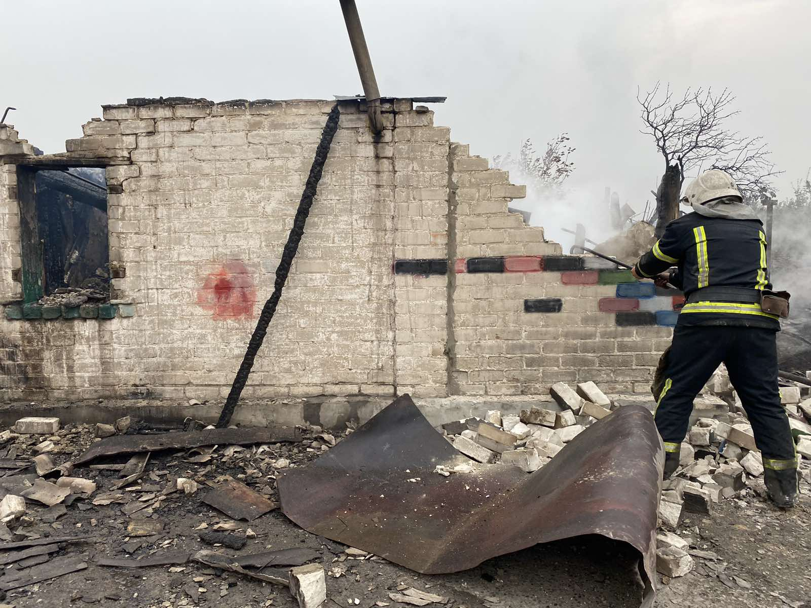 Пожежі на Луганщині: що відомо, причини та чи допоможе погода