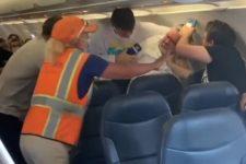 Не надел маску – заставили силой: в США в самолете подрались пассажиры
