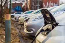 В Україні електрокари будуть їздити на зелених номерних знаках – ціна