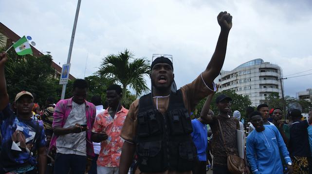 У Нігерії військові розстріляли протестувальників: 20 людей загинули