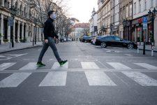 Чехия закрывает магазины — в стране рекордное число больных Covid-19