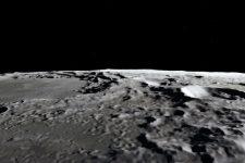 На освещенной солнцем поверхности Луны есть вода — NASA