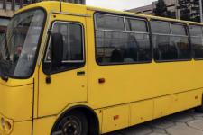 10 грн за адреналін: у Луцьку помітили маршрутку з дірою в підлозі