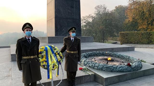 День визволення України від фашистських загарбників: привітання Зеленського