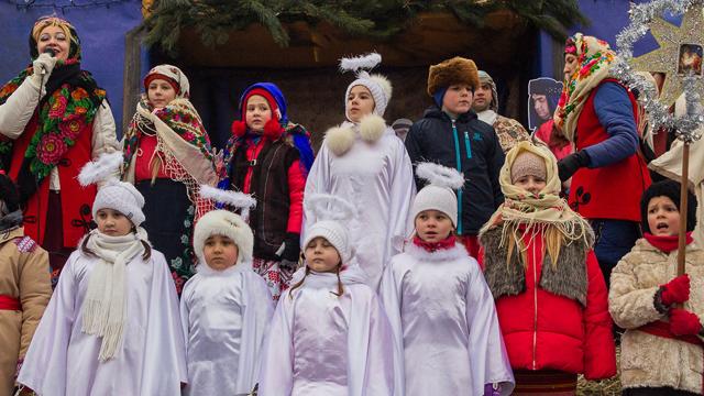 Хеловін: що спільного з Україною та переклад Trick or treat