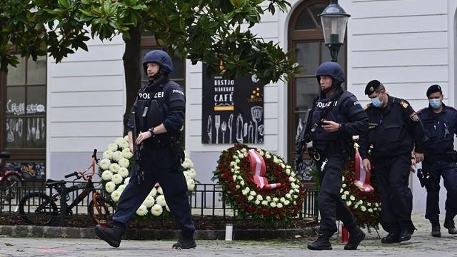 Свідок теракту у Відні: Він забігав у бари і розстрілював людей, як профі