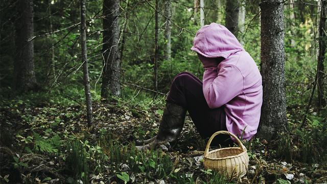 Дитина впала в кому: на Одещині матір і 9-річна донька отруїлися грибами