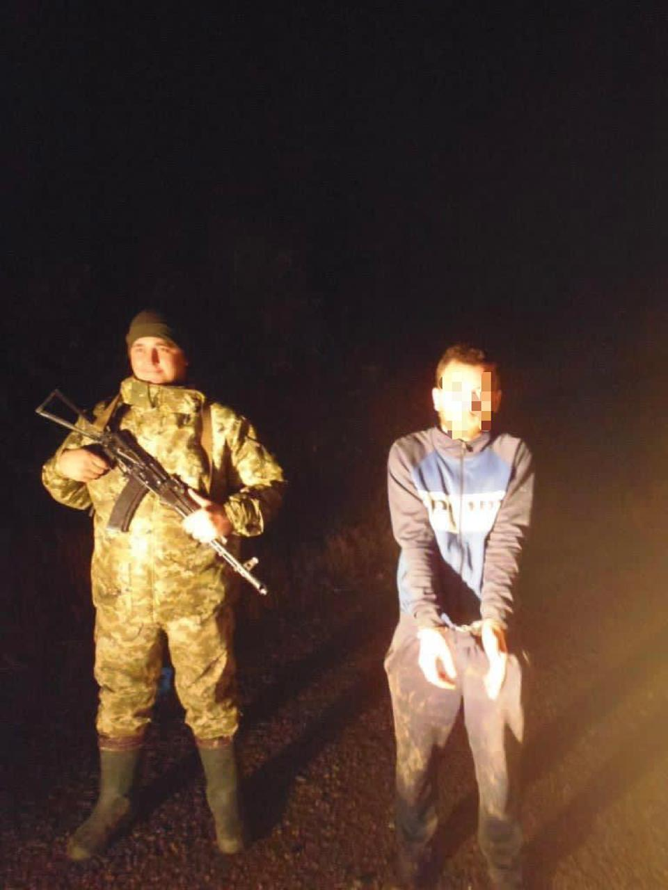 Поспішав в гості: на кордоні Луганщини затримали заблукалого росіянина
