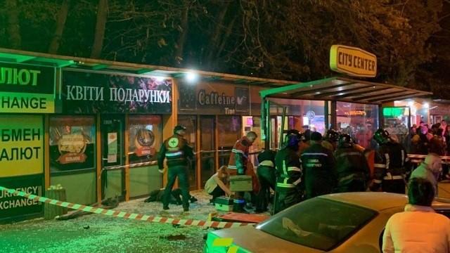 ДТП в Одесі: Toyota збила чотирьох людей на зупинці