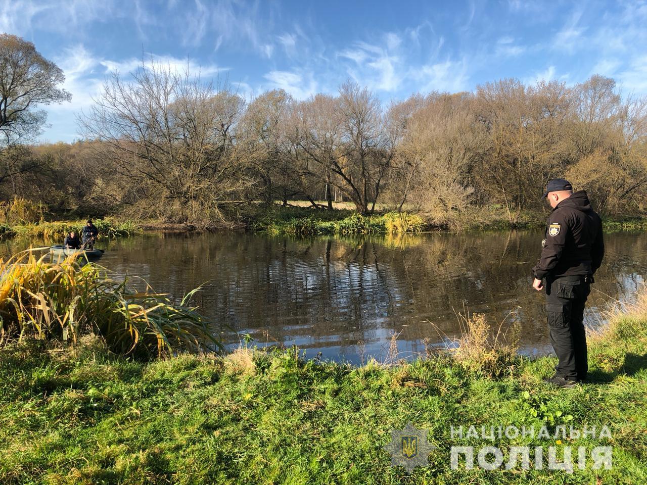 На Житомирщині з річки дістали авто з тілами чоловіка та хлопчика