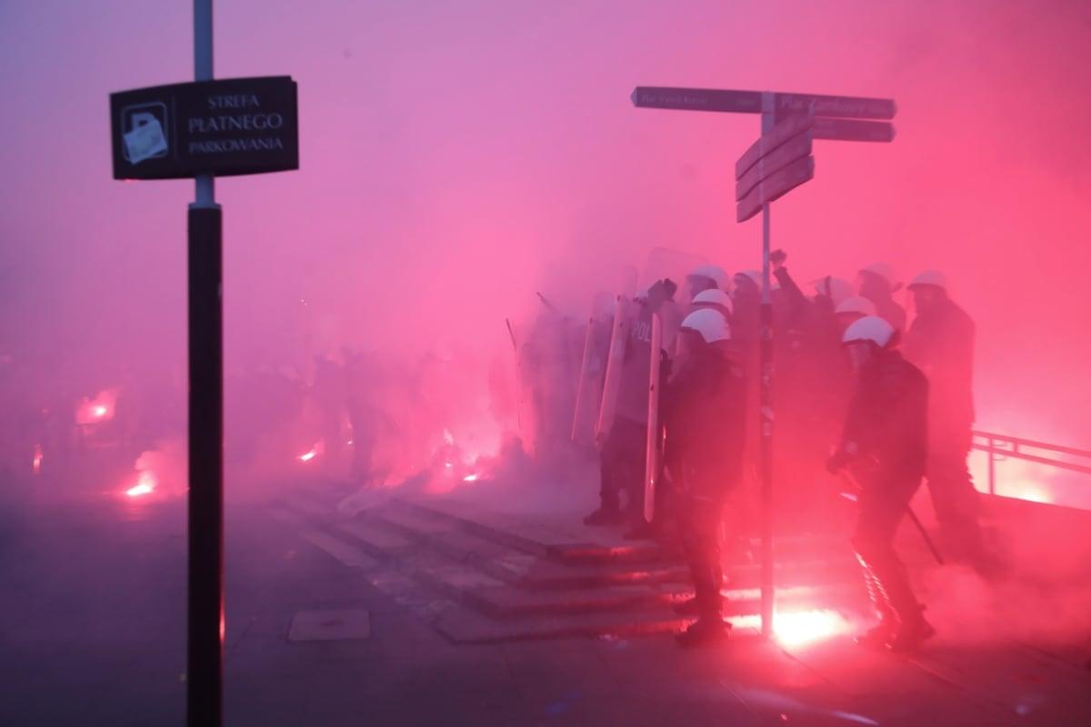 Під час Маршу незалежності у Польщі сталися сутички з поліцією