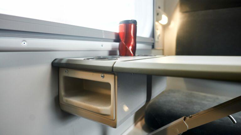 Климат-контроль и USB-розетки: Укрзализныця отремонтирует полсотни вагонов
