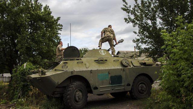 У зоні ООС бойовики поранили двох українських захисників