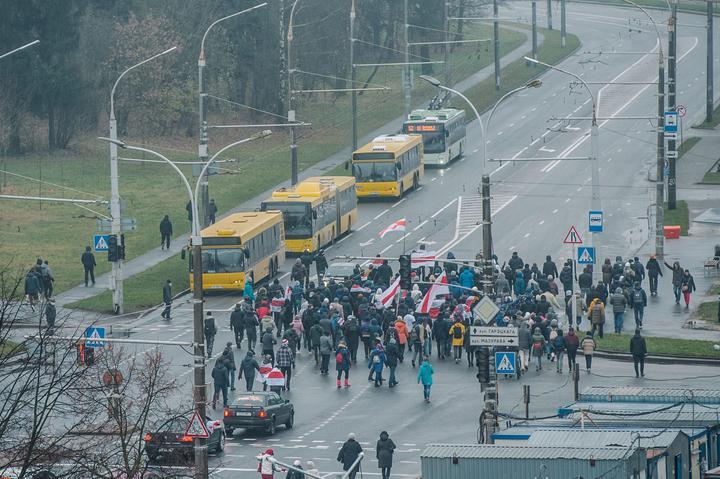 Нові протести у Білорусі: сутички, затримання і нова тактика демонстрантів