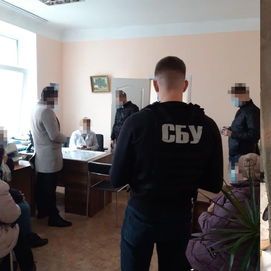 40 тис. за групу інвалідності: у Києві на хабарі попалися двоє медиків