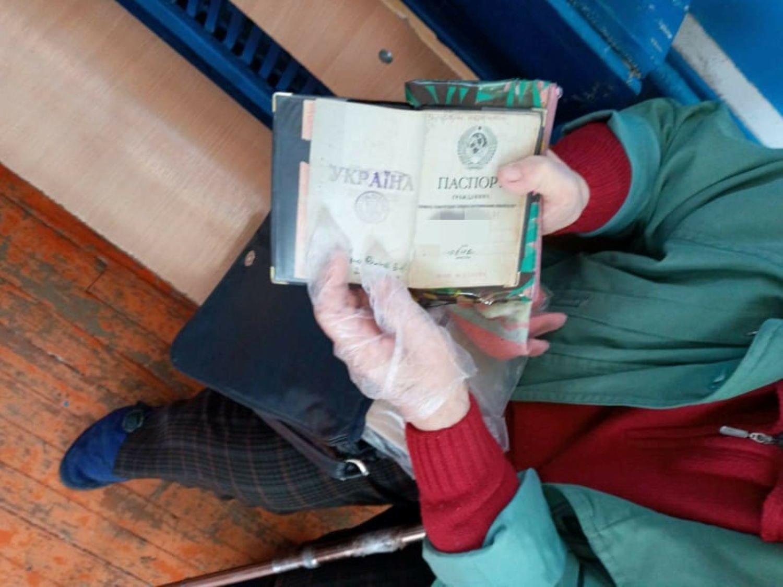 Вибори мера у Кривому Розі: жінка намагалася проголосувати за паспортом СРСР