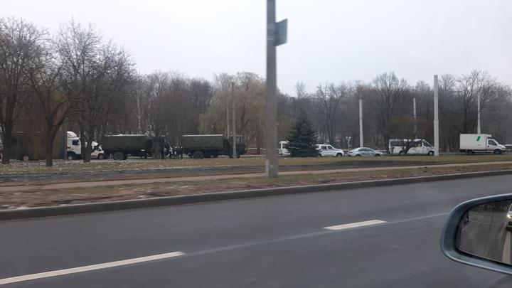 Звичайний недільний день у Білорусі: силовики на вулицях, закрите метро і збої в Telegram