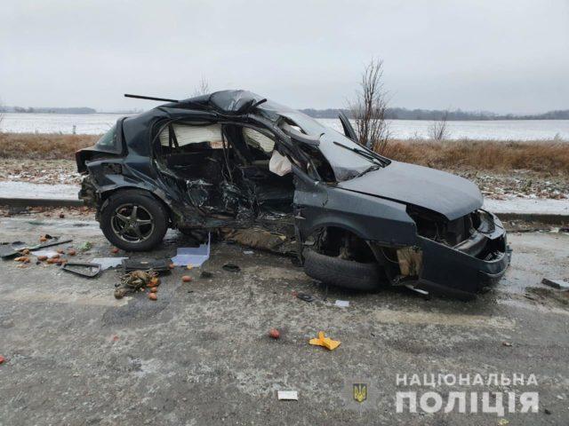 У Київській області внаслідок ДТП загинули чоловік та дитина