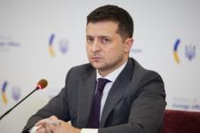 Зарплата Зеленського: скільки президент та його помічники заробили у січні