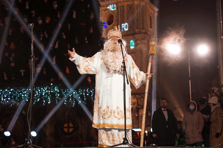 Відкриття головної ялинки у Києві: як пройшла церемонія (ФОТО і ВІДЕО)