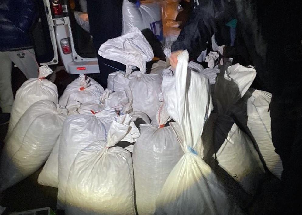 На Житомирщині затримали чоловіка з 723 кг бурштину