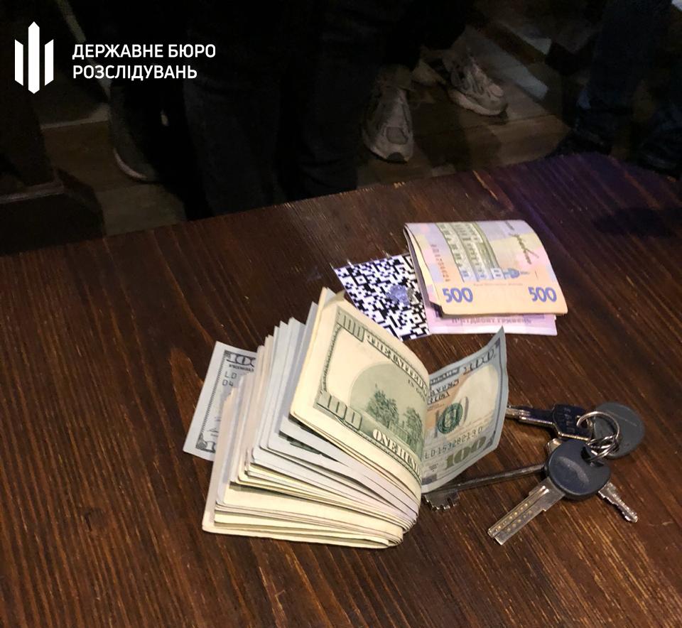 Хабарництво в Луцьку – за вимагання затримали чиновника