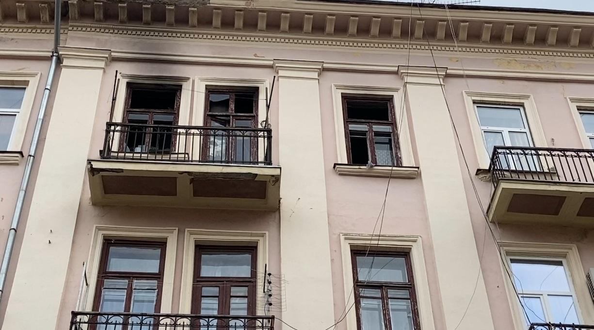 Пожежа у Чернівцях: від вибуху газу загорілася квартира