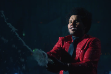 Save Your Tears: The Weeknd показал лицо после пластики в новом клипе