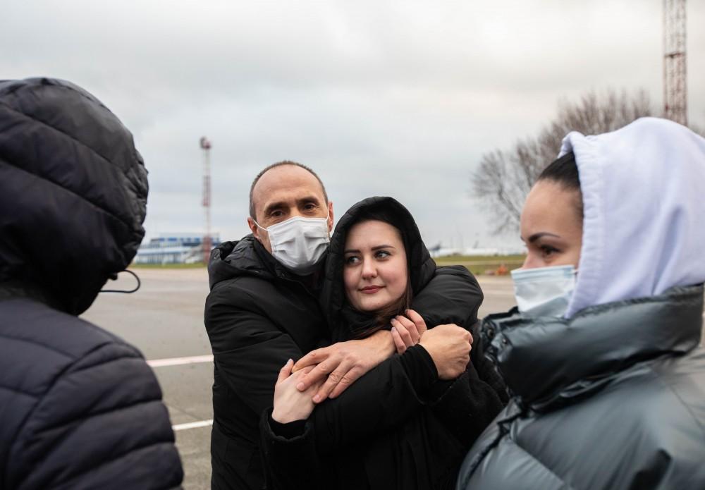 В Україну повернулися четверо моряків, яких майже 5 років утримували в Лівії