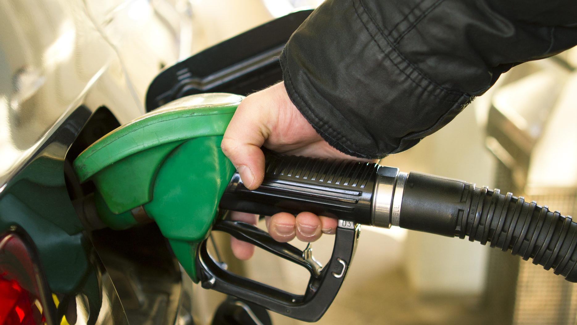 АЗС, бензин
