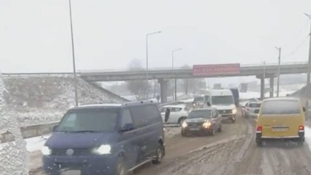 Сніг Львів 1