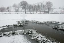 Мороз -15 та сотні охочих: як в Україні купались на Водохреща 2021