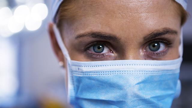 В Україні 2 332 випадки коронавірусу за добу, госпіталізацій вдвічі менше