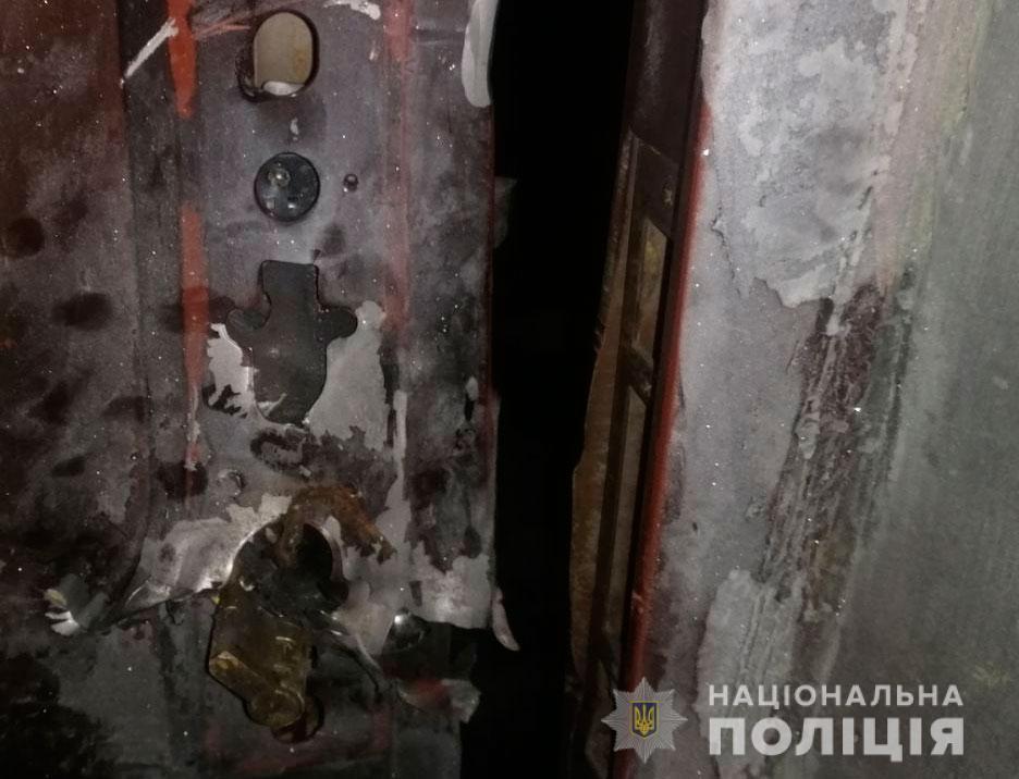 На Полтавщині чоловік з мисливської рушниці обстріляв будинок своєї знайомої