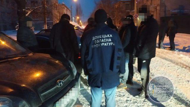 Пропонували закрити справу по ДТП: на Донбасі слідчі вимагали хабар