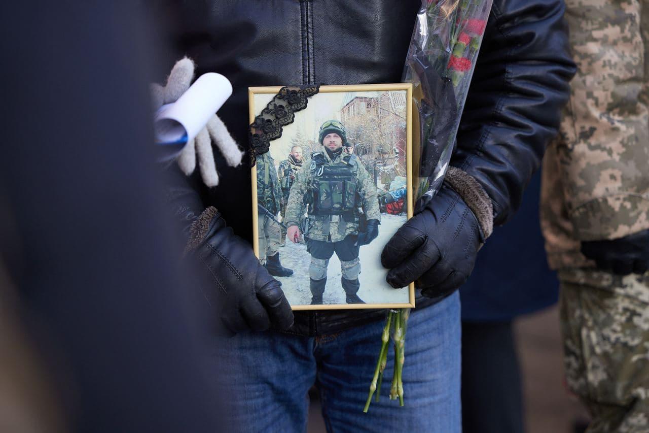 Зеленський ушанував пам'ять полеглих захисників Донецького аеропорту