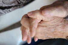 У США подружжя після 70 років шлюбу померло від Covid-19 з різницею у 19 хвилин