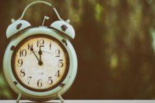Переход на летнее время 2021: когда переводить часы