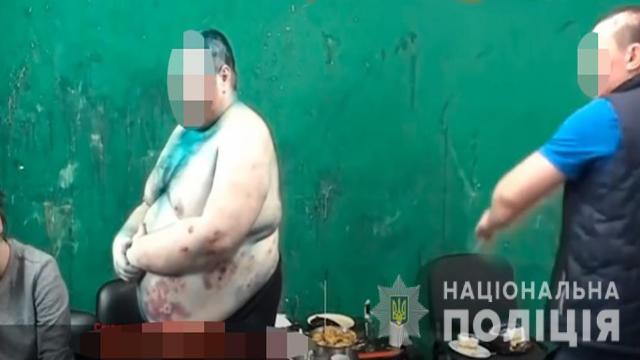 Уражали струмом, били та катували для відео: на Житомирщині судитимуть блогерів
