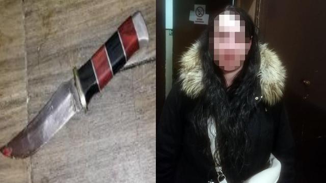 Встромила ніж у груди: у Києві жінка через ревнощі напала на чоловіка