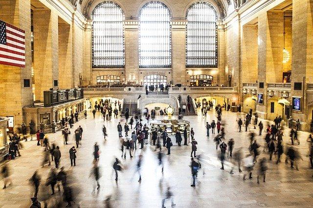 До 1 метра: у США розглядають можливість скорочення соціальної дистанції